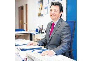 Javier Miguel López continuará cuatro años más al frente del Colegio de La Rioja